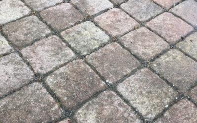 Čištění zámkové dlažby – RD Chomutov
