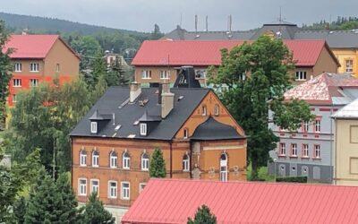 Rekonstrukce střechy činžovního domu – Vejprty